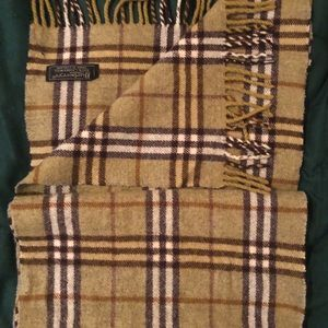 Brand New Authentic Vintage Burberry Scarf